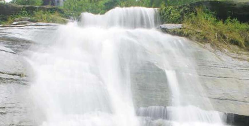 Shoilo Propat Bandarban is a fascinating waterfall