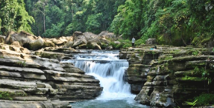 Nafakhum waterfall at Remakri Thanchi Bandarban