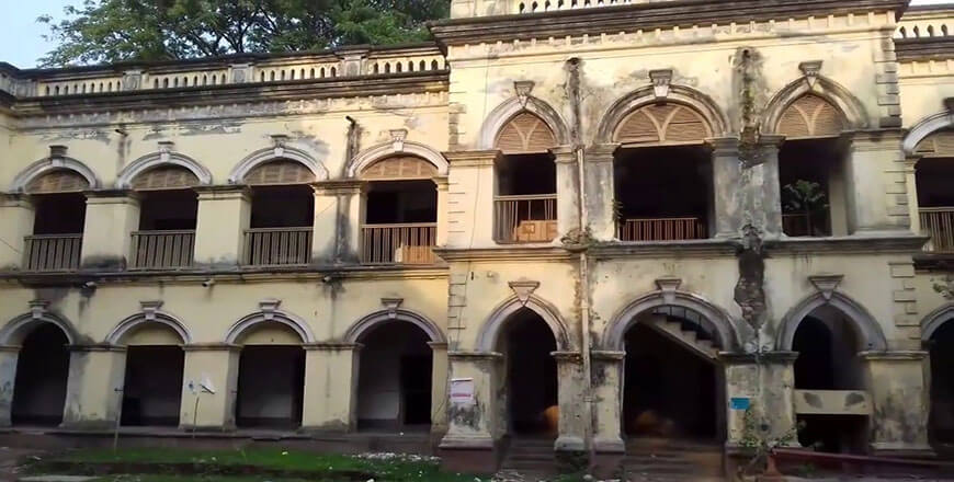 Bhawal Rajbari is a historical tourist place at Joydebpur of Gazipur
